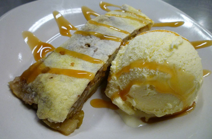 Apfel Strudel with Ice Cream $6.49